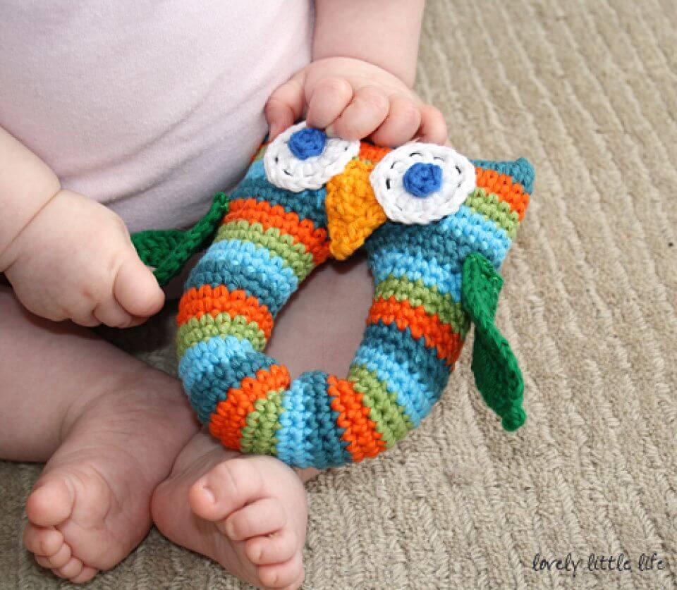 Create Stripey Owl Baby Rattle - 35 Free Crochet Owl Patterns - Crochet Amigurumi | #crochet #crochetpattern #freecrochetpattern #freepattern #crochetlove #diy #gifts #diygifts #crafts  #amigurumi #amigurumipattern #amigurumicrochet #crochetamigurumi