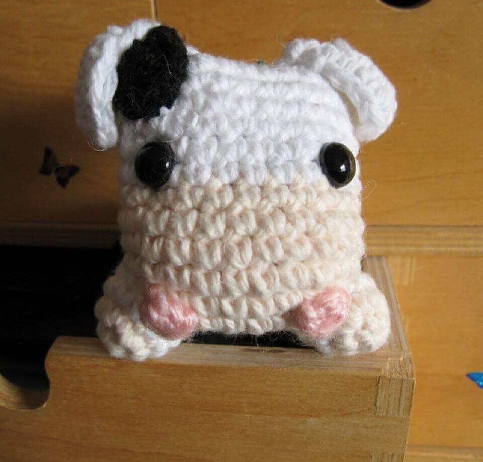Easy Crochet Moo Moo Cow - Free Pattern,tiny cow crotchet,cute cow toy amigurumi