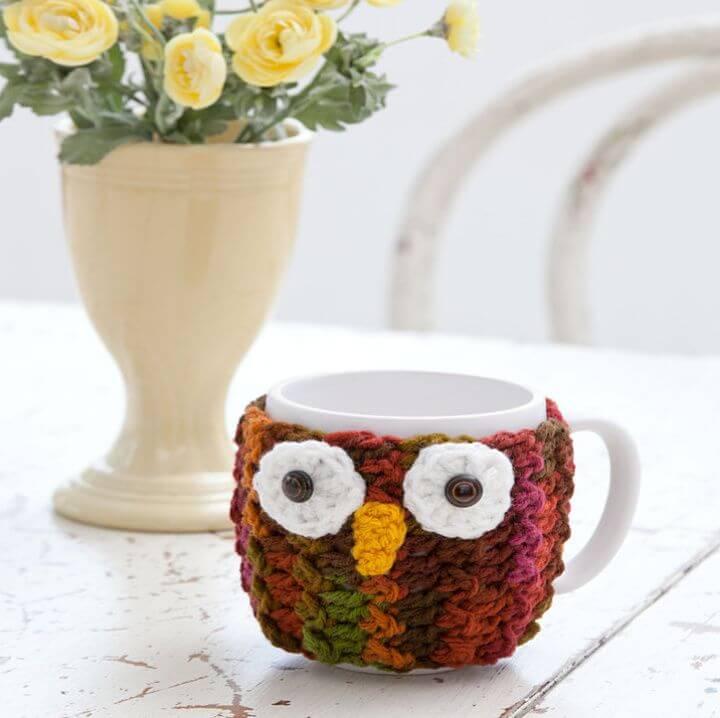 Free Crochet Owl Mug Wrap Pattern - 35 Free Crochet Owl Patterns - Crochet Amigurumi | #crochet #crochetpattern #freecrochetpattern #freepattern #crochetlove #diy #gifts #diygifts #crafts  #amigurumi #amigurumipattern #amigurumicrochet #crochetamigurumi