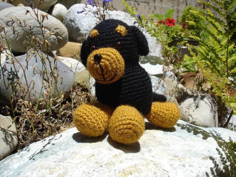 How to Crochet Rottweiler Dog Amigurumi,rottweiler dog crotchet pattern, free rottweiler amigurumi toy pattern, dog pattern, free gift